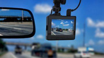 dash-cam-vs-mirror-cam